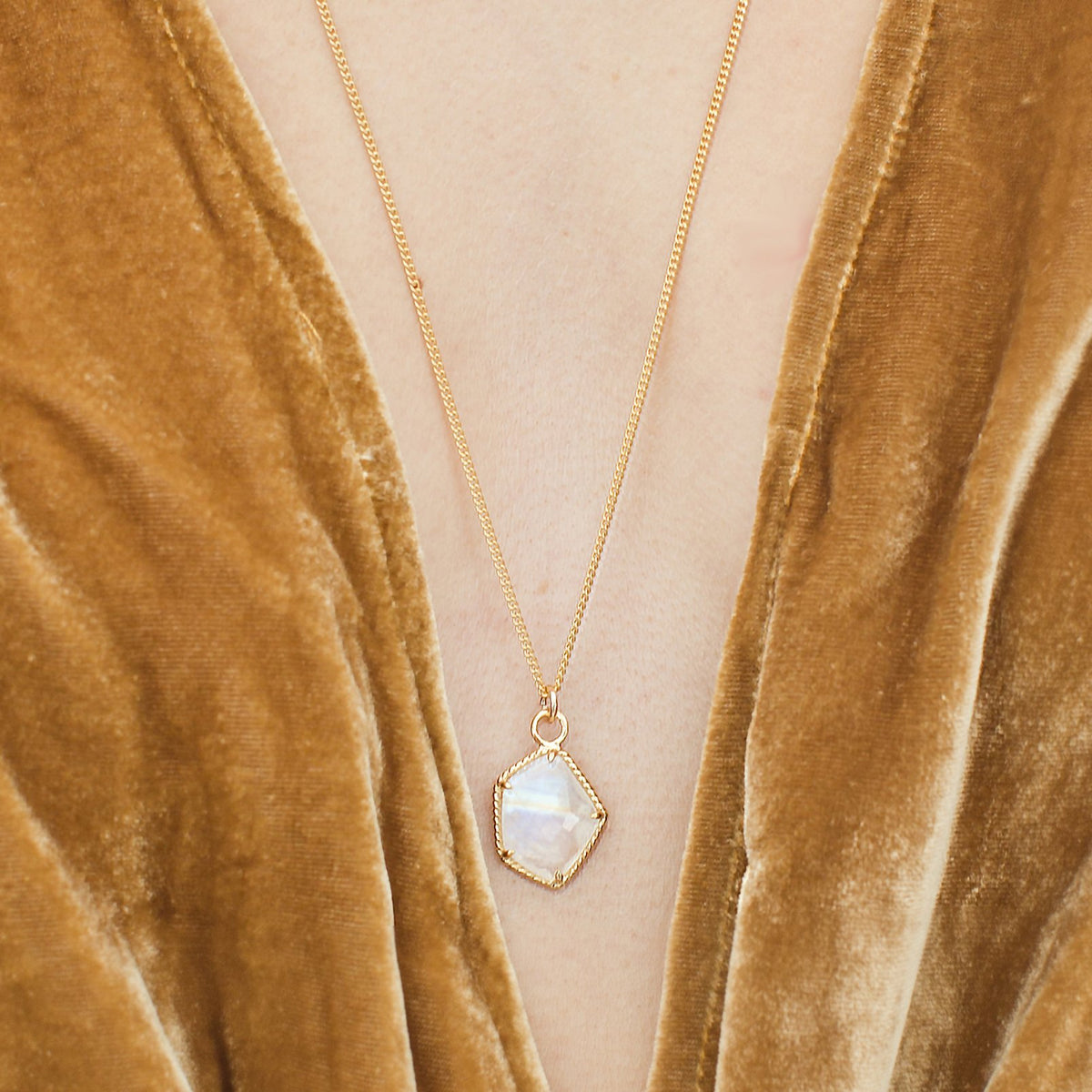 HONOUR ICON - RAINBOW MOONSTONE & GOLD - SO PRETTY CARA COTTER