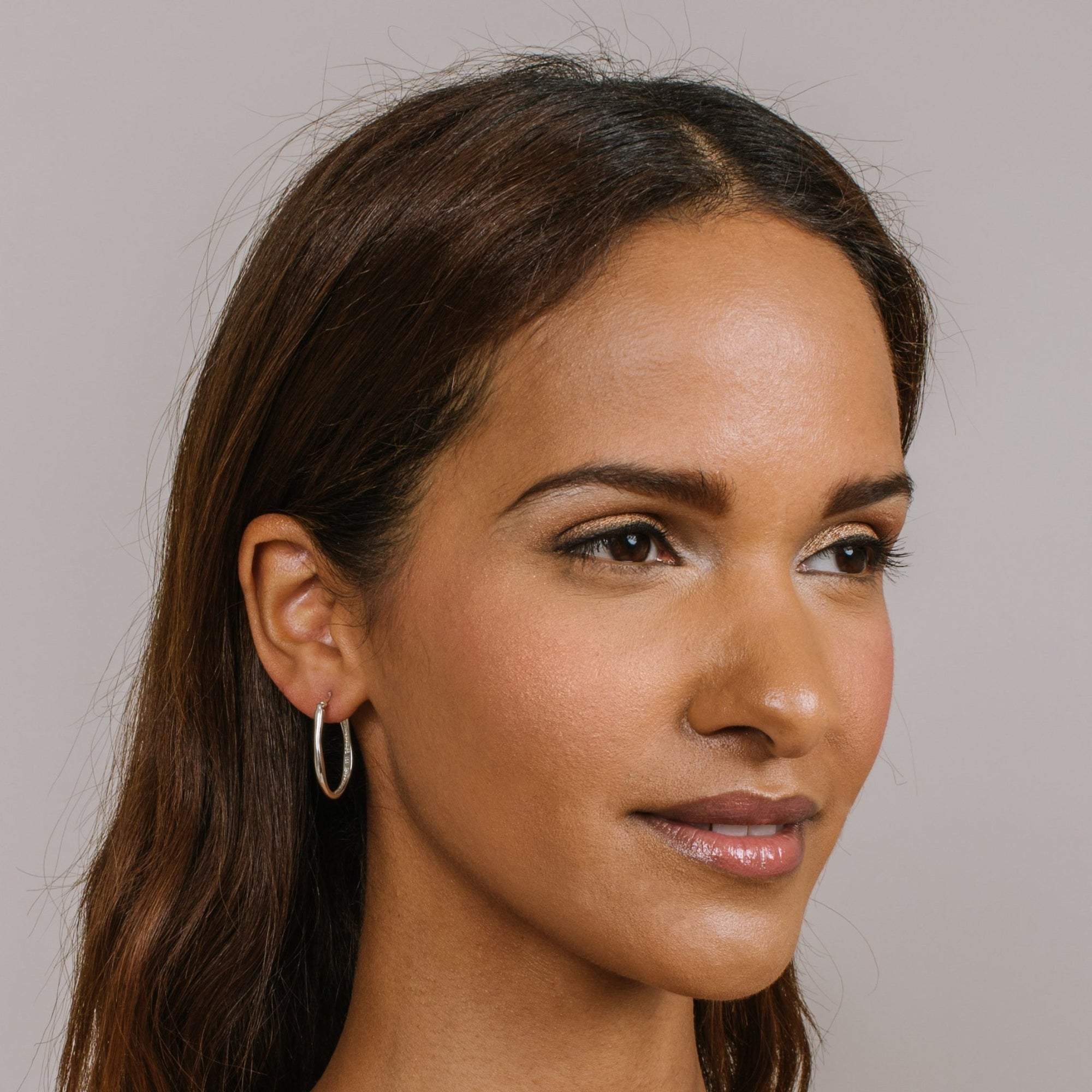 MIDI POISE HOOP EARRINGS - SILVER - SO PRETTY CARA COTTER
