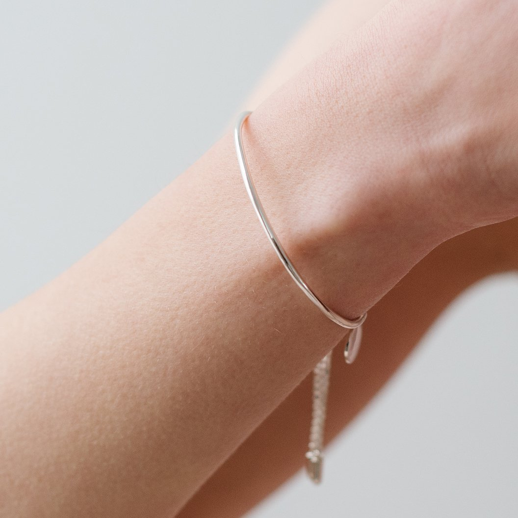 POISE ADJUSTABLE BRACELET - SILVER - SO PRETTY CARA COTTER