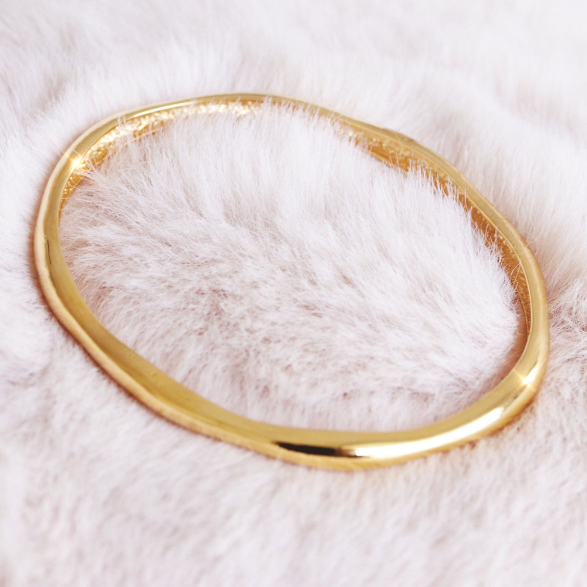 POISE OVAL BANGLE - GOLD - SO PRETTY CARA COTTER