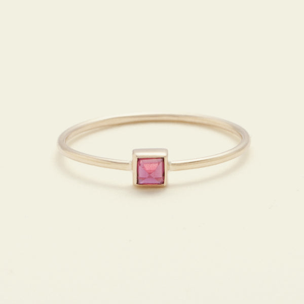 Pyramid Ring (Ruby)