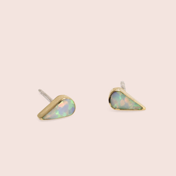 Golden Teardrop Studs (White)