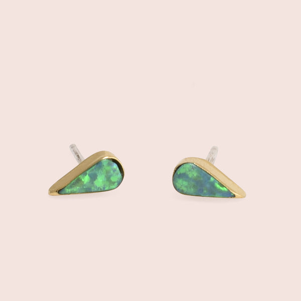 Golden Teardrop Studs (green)