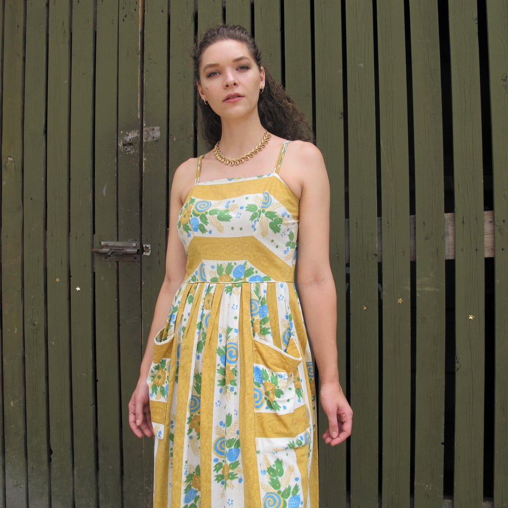 Vintage 1950s Cotton Floral Print Dress Tulips Mustard Yellow 50s Day Dress Pleated Full Skirt Dress Patch Pockets Retro Pinup Dress (S/M)