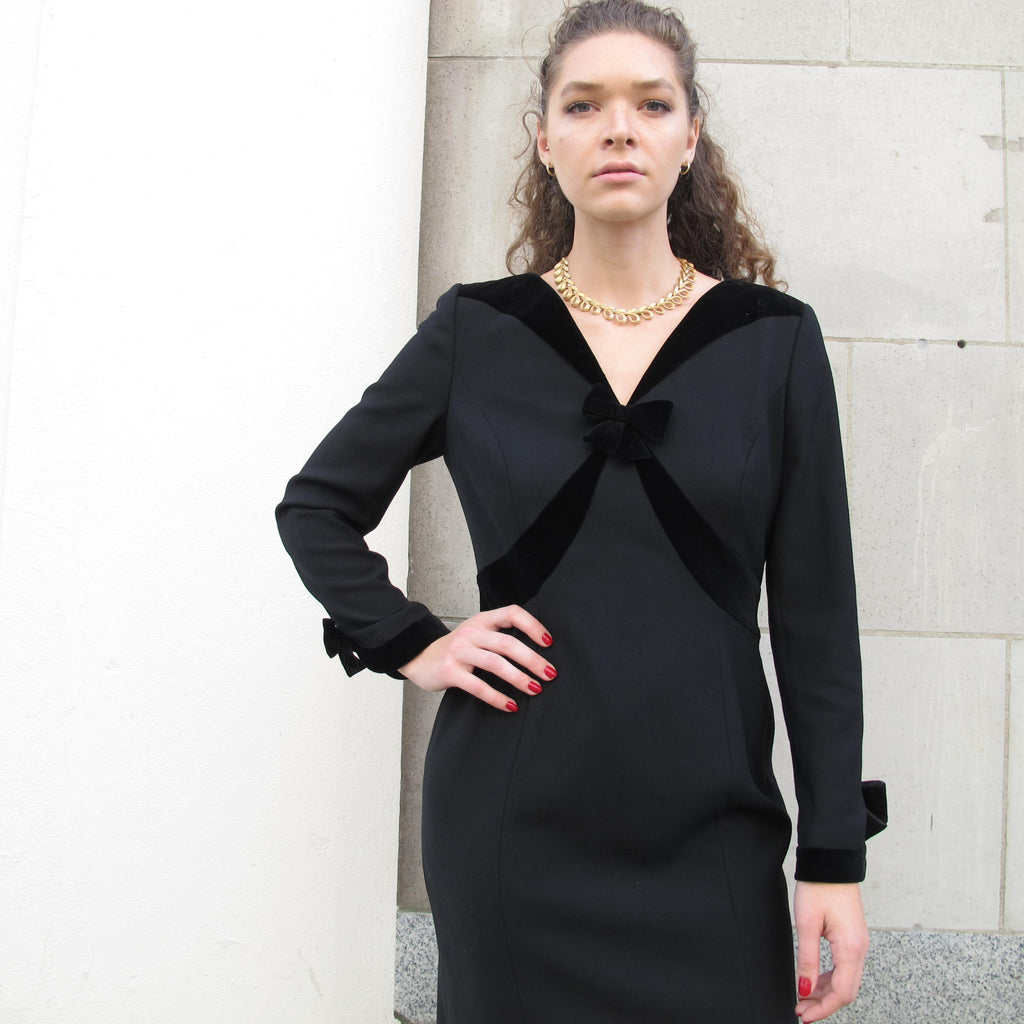 Vintage 80s ESCADA Dress Black Velvet Dress Christmas Party Dress Velvet Cuffs Bow Dress Long Sleeve Midi Dress Black Cocktail Dress M/L