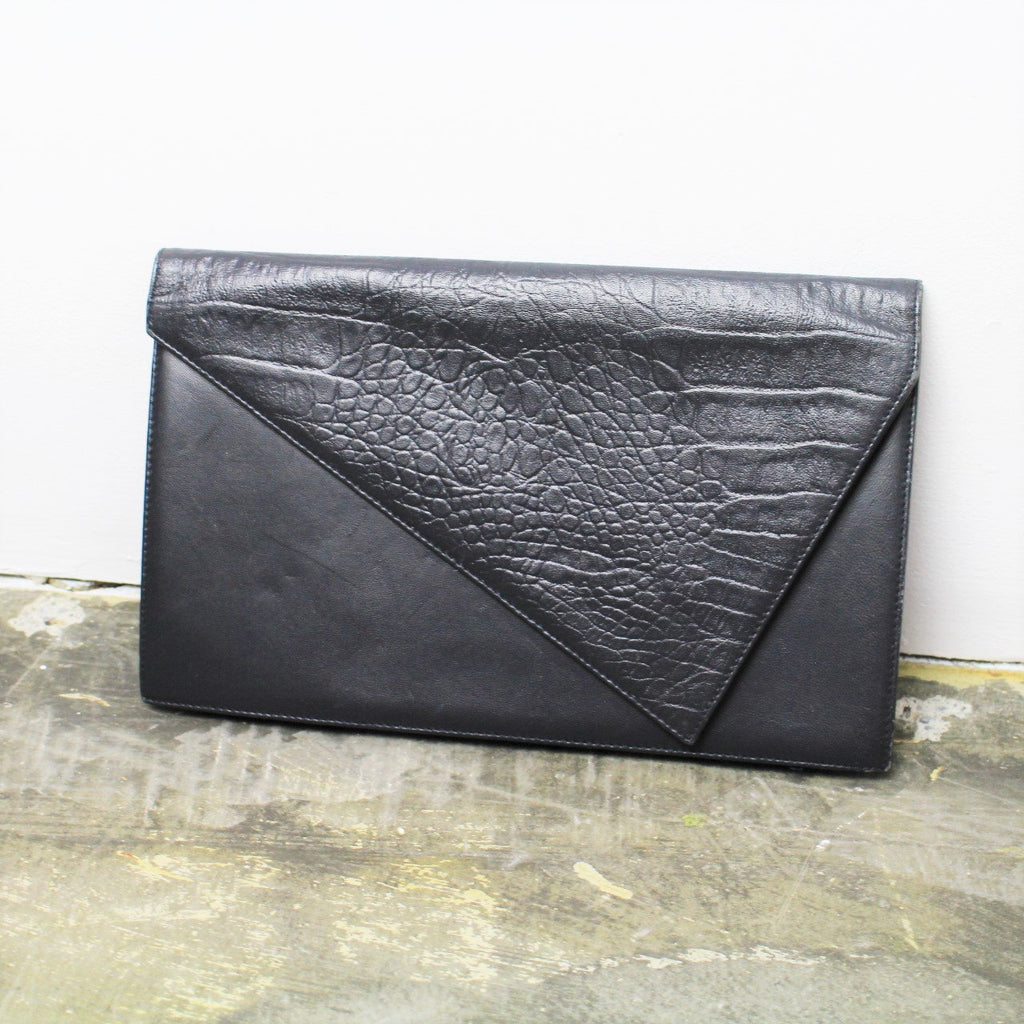 25% OFF SALE Vintage Gianni VERSACE Clutch Purse Black Leather Clutch Faux Croc Leather 80s Minimal Asymmetrical New Wave Designer Bag