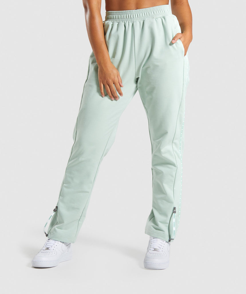 Gymshark Recess Joggers - Light Green 1