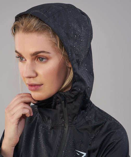 Gymshark Sleek Running Raincoat - Black 4