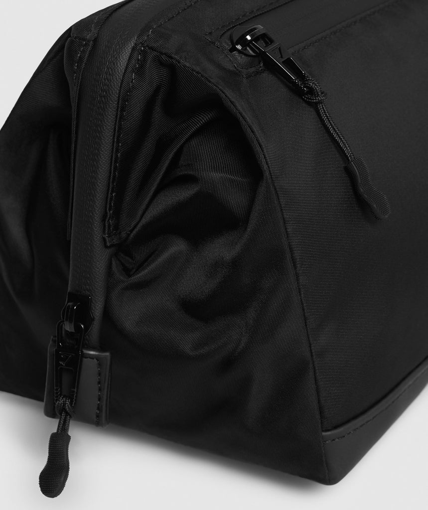 Gymshark Wash Bag - Black 6