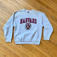 Load image into Gallery viewer, Harvard Vi Ri Tas Crest Crewneck