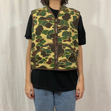Load image into Gallery viewer, No Brand Sherpa Duck Camo Vest
