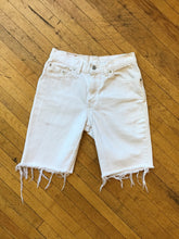 Load image into Gallery viewer, Levis 517 High Waisted Denim Shorts
