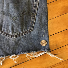 Load image into Gallery viewer, Levis' Denim Cutoff Shorts