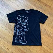 Load image into Gallery viewer, CONSIGN JAS 50 : Uniqulo X KAWS T-Shirt