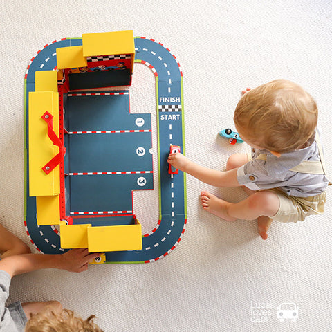 Janod GRand Prix playset  | Lucas loves cars