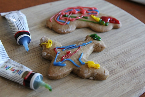 Gingerbread men the 'Lucas way' (Trains, cars, aeroplanes and more!)