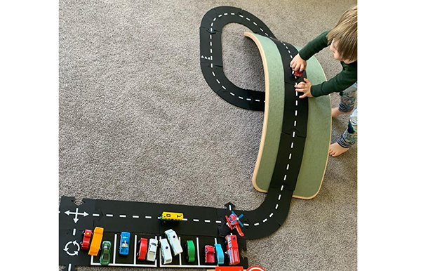 Waytoplay | Wobbel board | Lucas loves cars