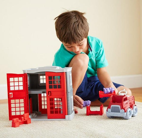 GREEN TOYS Fire Station | Lucas loves cars
