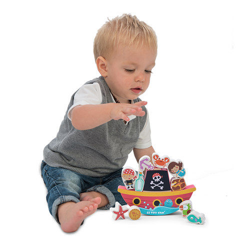 Toy Pirate ship | Le Toy Van | Lucas Loves Cars