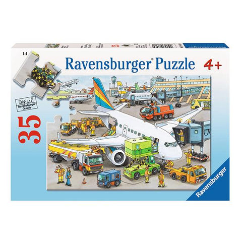 Busy Airport Puzzle 35 pc | Ravensburger puzzles  |  Lucas loves cars