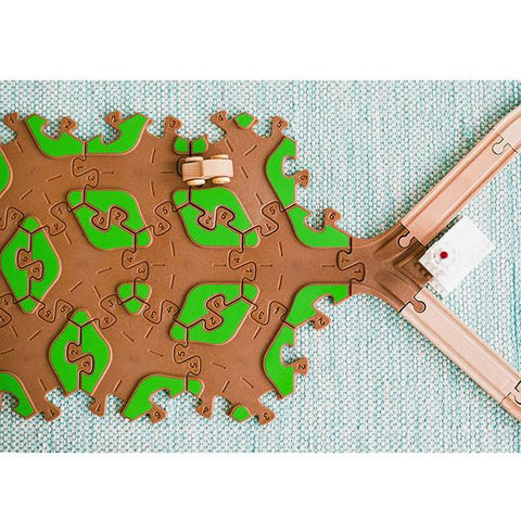TOBO wooden tracks | Lucas loves cars