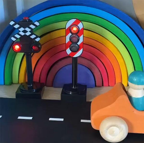 Brio train | Brio train Signal | Lucas Loves Cars