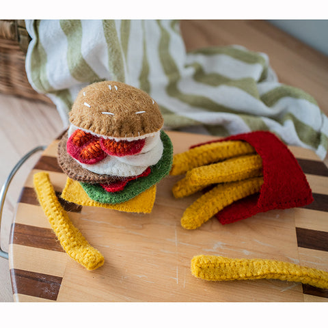 Papoose felt burger | Food toys | Papoose toys | Lucas loves cars