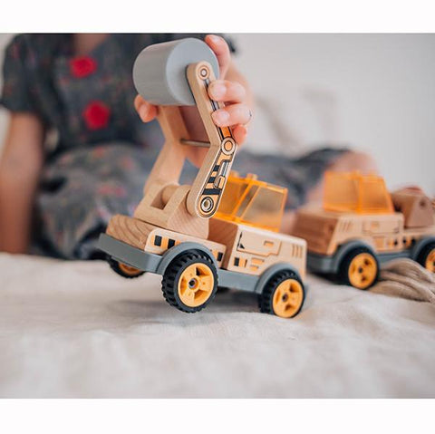 Build a Roller  | Road roller truck toy | Wooden trucks | Discoveroo toys | Lucas loves cars