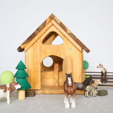 Wooden Horse Stable toy | Australian toys store | Qtoys | Lucas loves cars