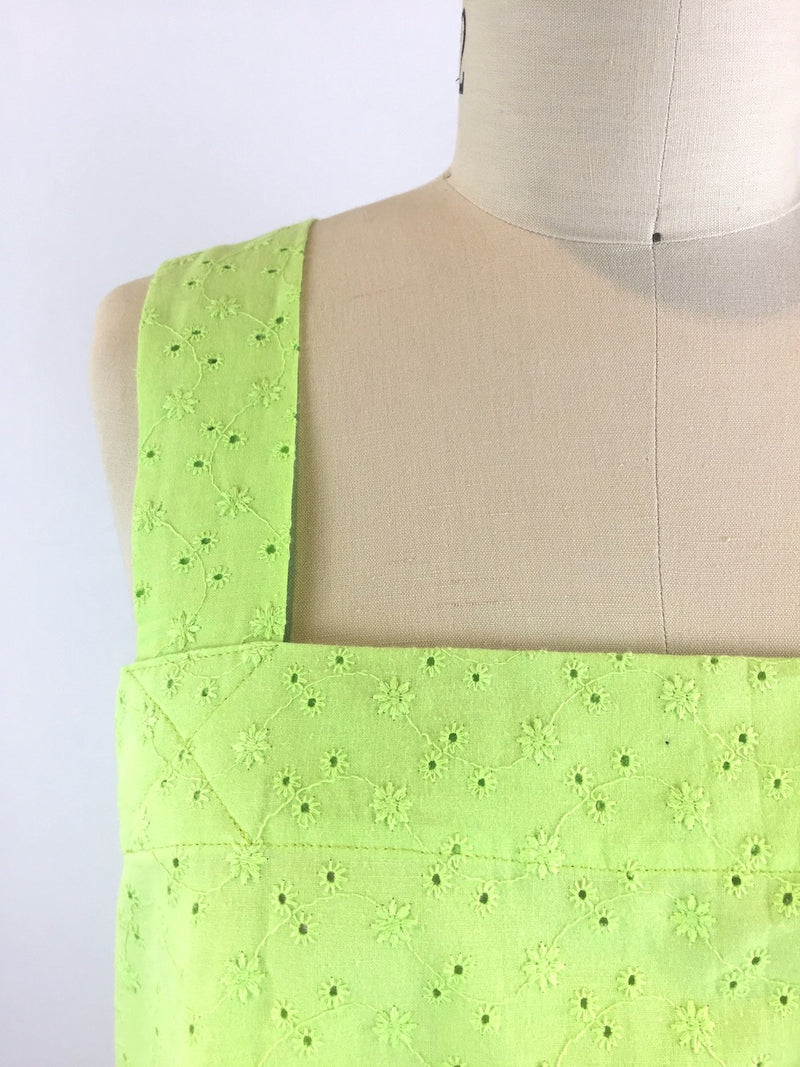 Herbal Crossback Cotton Eyelet Apron