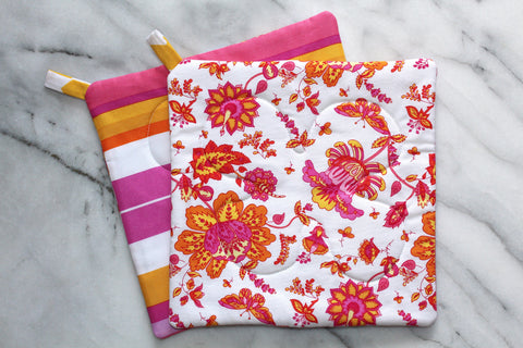 Summer Soiree Potholder - Jacobian Flower