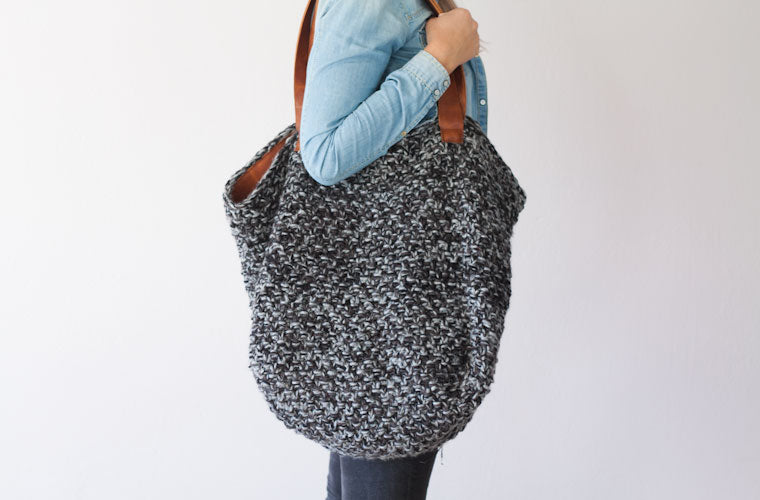 The Athena hobo bag in grey yarn and brown leather by milloo