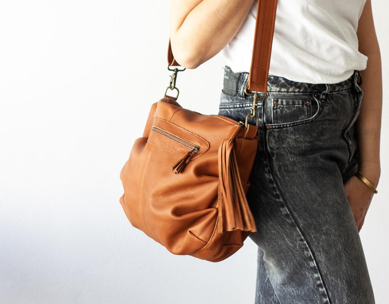 The Ariadne purse in brown leather by milloo