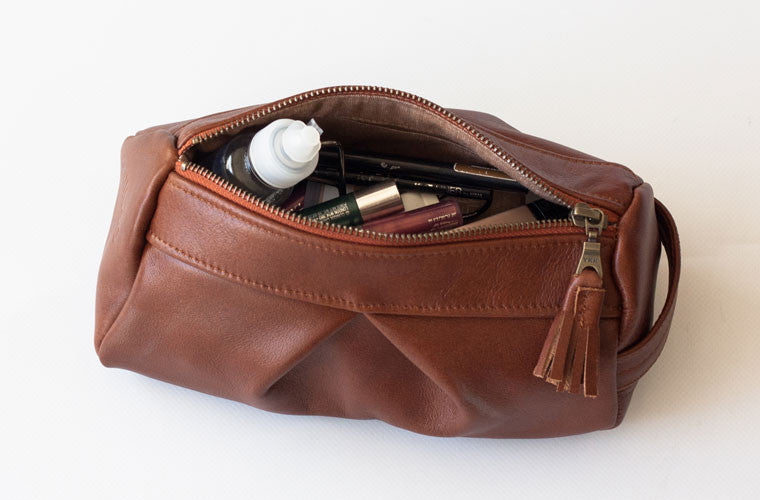 The Estia accessory bag in brown leather by milloo