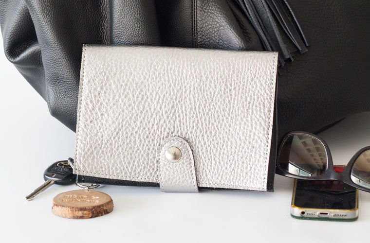 The Iole wallet in silver leather by milloo