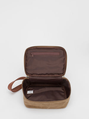 Oil-Finish Canvas Toiletry Case