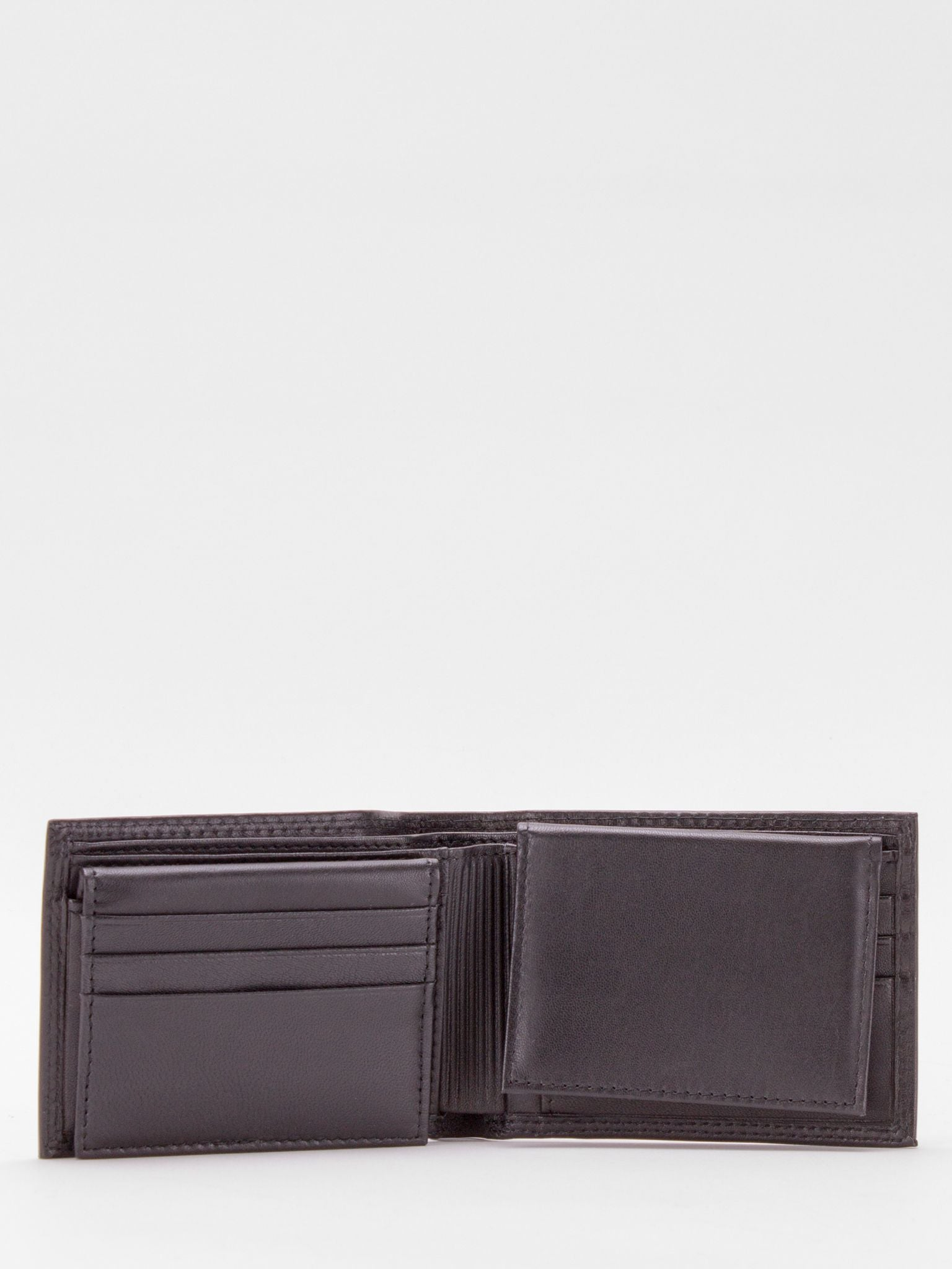 Oliver RFID Blocking Passcase Leather Billfold