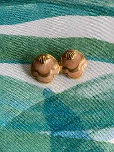 Vintage shell studs