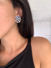 Load image into Gallery viewer, Vintage criss cross earrings