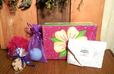 Bath Spa Box Gift Set, Lavender/ Pink, Bath Salts, Bath Fizz, Body Butter