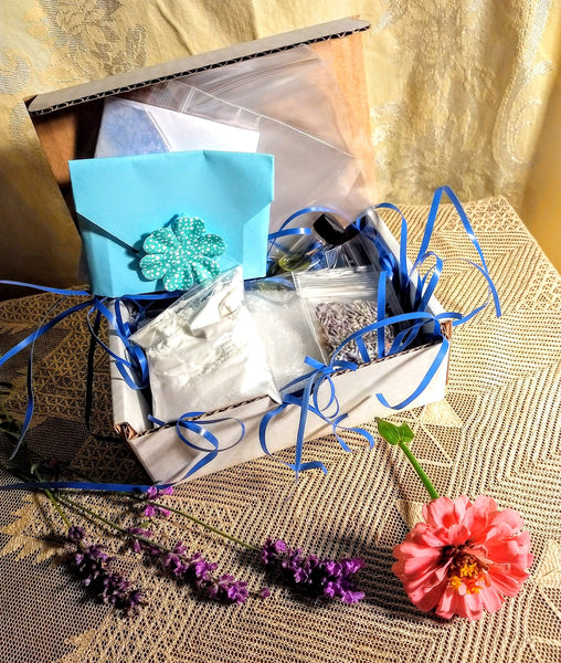 DIY Bath Salts Kit, bath soak, homemade, make your own gifts, spa, soak in the tub, skin softening, soothing, relaxing
