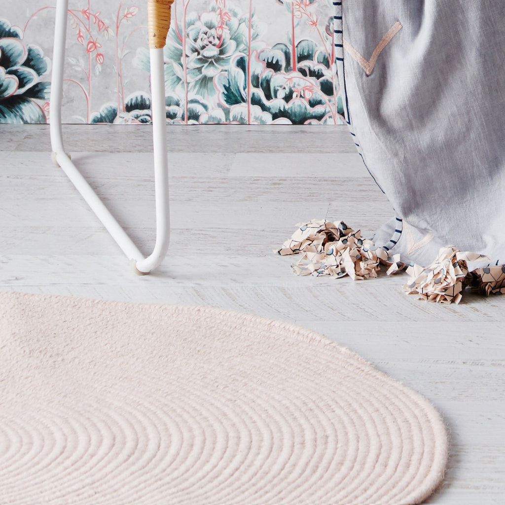 Braided Round Wool Rug Blush Pink