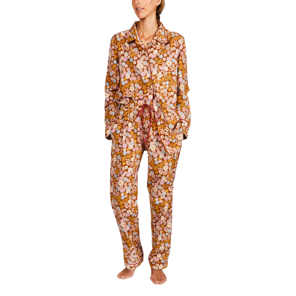 Gisela Foral Linen Blend PJ's. Linen blend oversized floral printed PJ's with piped detailing. Comes in extra small, small, medium and large.