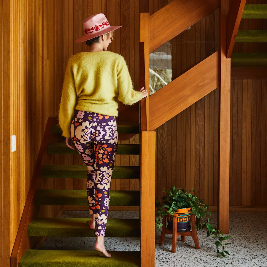 Pasqa Cotton Legging in boysenberry and wandering floral design