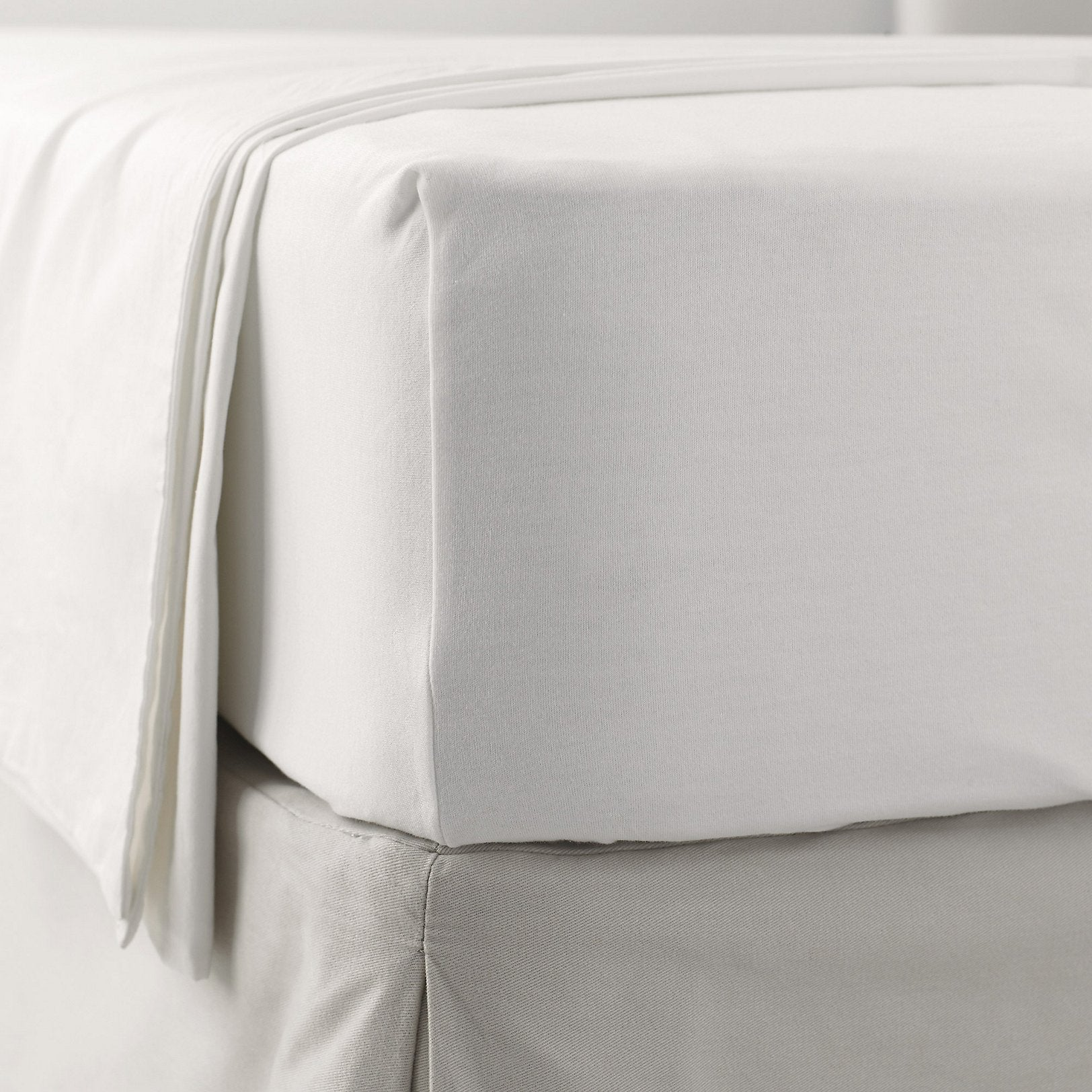 Linen Cupboard Specialists In Luxury Amp Non Standard Bedding