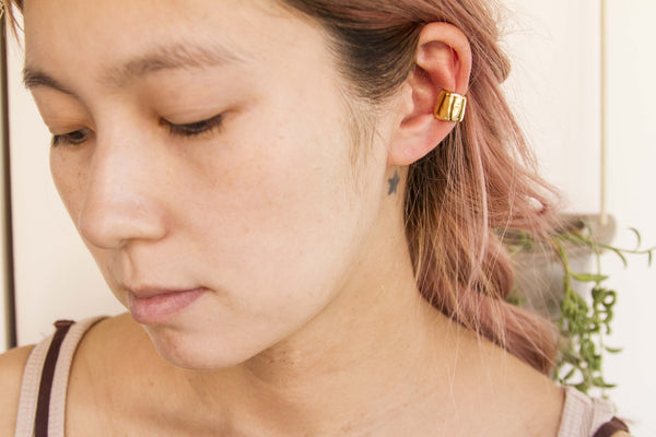 Fadeless M Ear Cuff