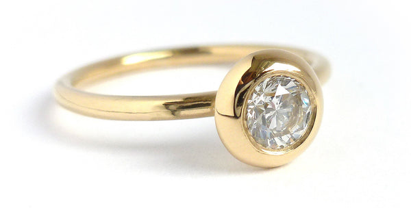 Engagement ring made to commission - 18ct gold with large diamond - Sue Lane.