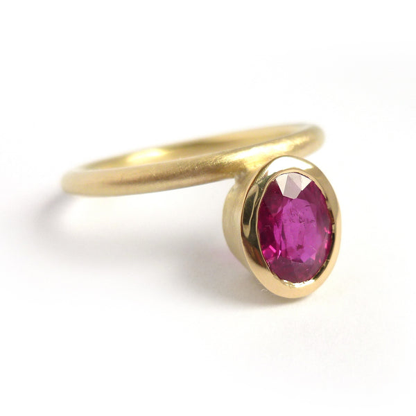 Oval ruby and gold bespoke ring set for a ruby wedding anniversary present handmade by Sue Lane