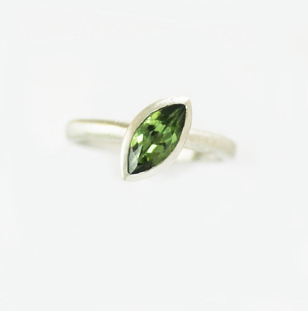 Silver and green touramaline ring (rspo2) - Sue Lane Contemporary Jewellery - 3