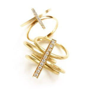 18ct yellow gold and pave diamond ring